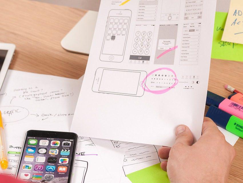 Dobre narzędzie do projektowania UX w aplikacjach non-profit